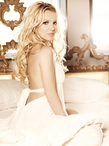 notichismes_2011_abril_Britney_-_Femme_F