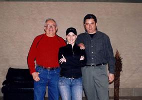 Con Alicia Villarreal y el productor Gustavo A. Santiago